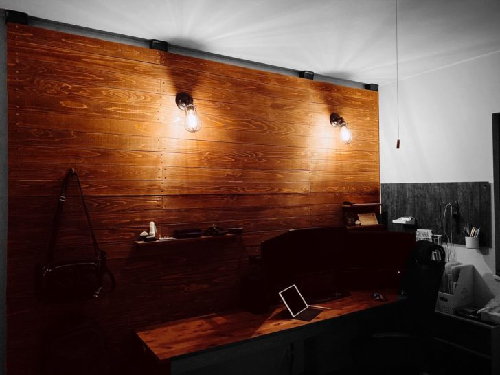 【DIY】ケーブルレスデスクとオシャレ壁を作ってみた!